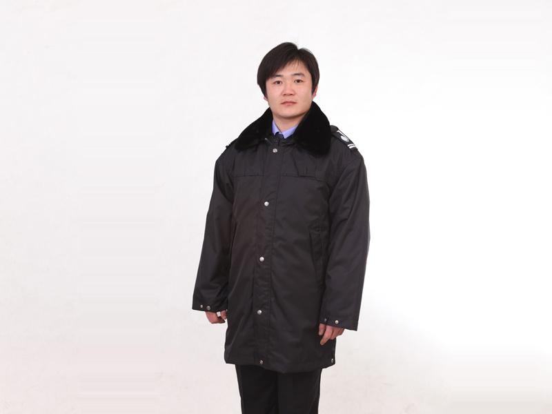 山东保安服零售——高品质的多功能防寒服价格