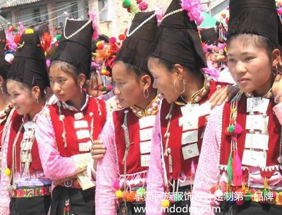 保山阿昌族服饰——想买最知名的阿昌族服饰 ,就到卓简民族服饰
