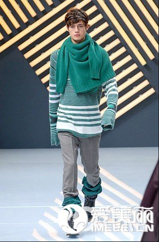 一级的砚山服装 新型的韩装批发供应