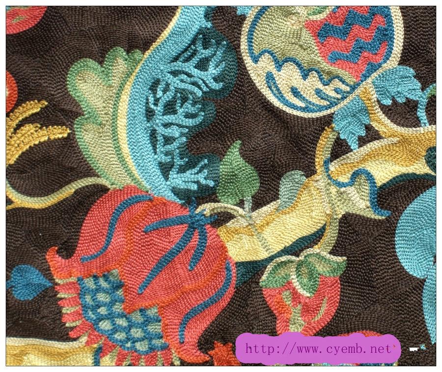 珠片绣。珠管绣。盘带绣。毛巾绣,贴布绣。散珠绣