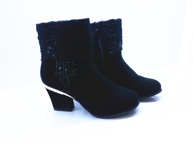 秋冬女靴代理加盟 最优质的时时秀中跟蕾丝女短靴要到哪儿买