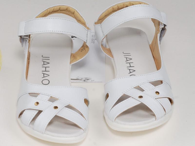 昆明医用夏季凉鞋|有口碑的医用夏季凉鞋销售商当属端直商贸