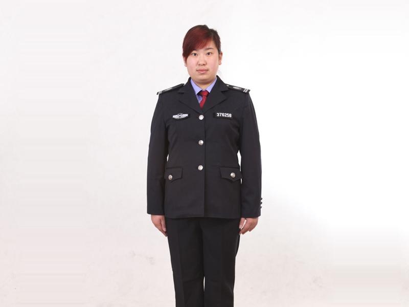 城管服厂家订购,想买前卫女士春秋服,就到泽川服饰有限公司