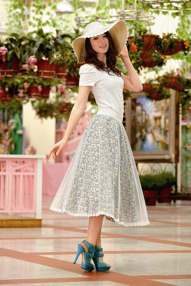 金蝶妮{女装加盟}时尚潮流 ,新颖独特,是服装界的一朵奇葩!