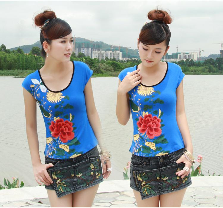 大量女式夏装欧美韩版短袖T恤上衣清货批发