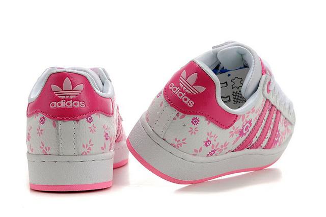 中国耐克运动鞋:最优惠的阿迪达斯板鞋【供售】