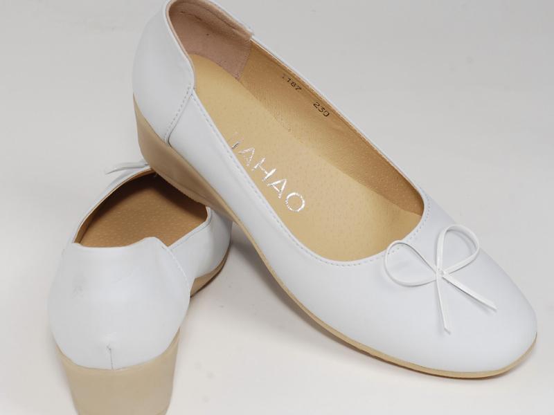 昆明医用平板蝴蝶坡跟鞋 大量供应出售云南热销的医用平板蝴蝶坡跟鞋
