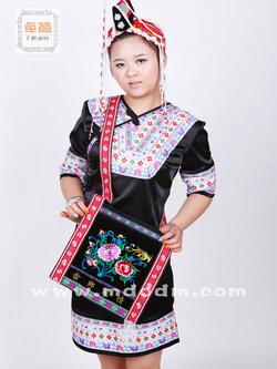 中国畲族服装,流行畲族服饰推荐