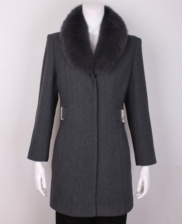 个性三门峡市高档服装,信誉好的三门峡市中老年服装选哪家