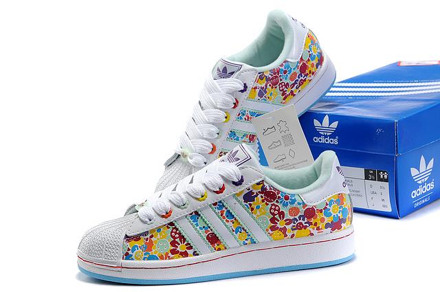 厂家批发精仿运动鞋批发,信誉好的阿迪达斯板鞋生产厂家