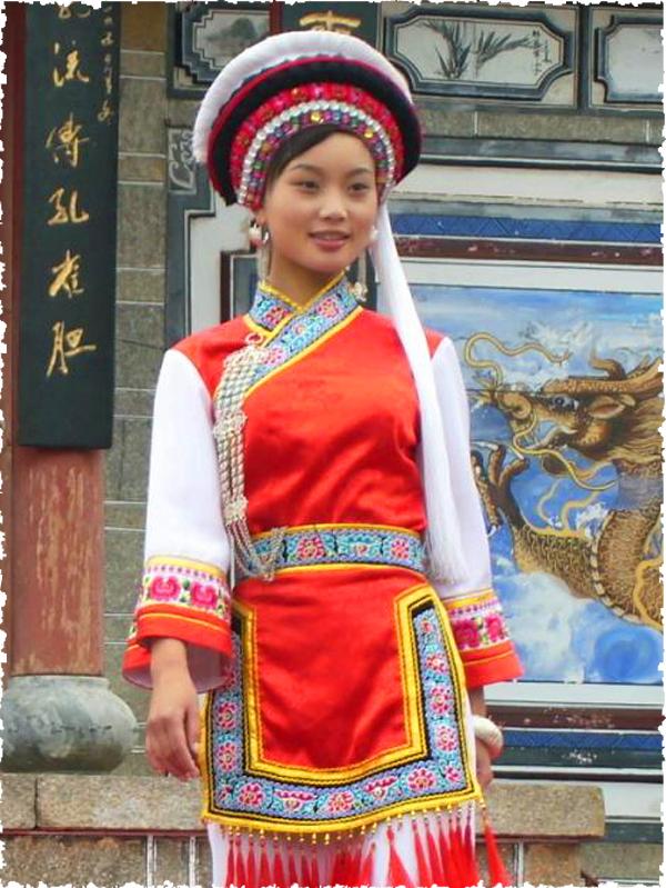 中国白族服饰:物超所值白族服饰推荐