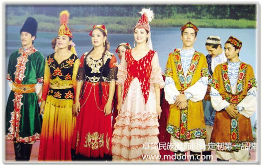 俄罗斯族|柔顺的俄罗斯服饰推荐