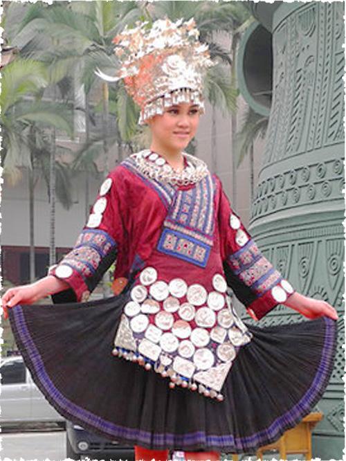 中国壮族服饰,简单的壮族服饰推荐