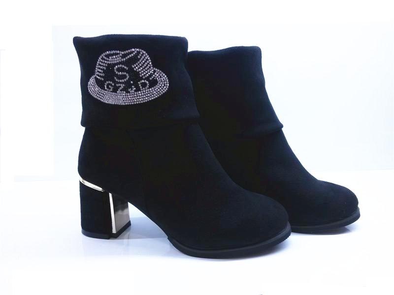 侯马2014新款秋季女鞋 大气的舒美妮时尚女短靴推荐