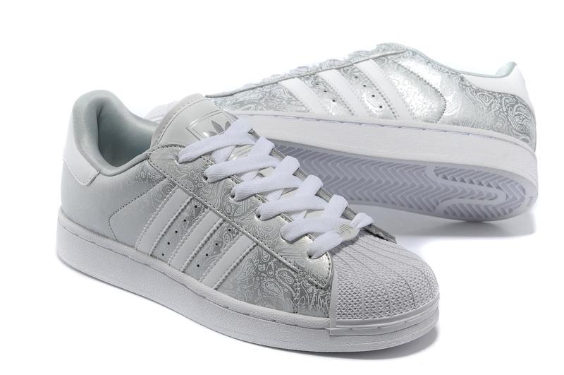 高仿价位|品牌好的阿迪达斯/adidas 女鞋购买技巧