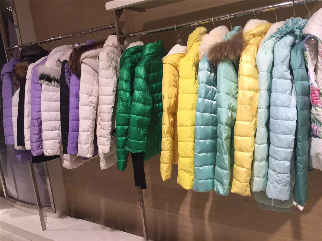 14冬自由秀时尚品牌冬装折扣女装斯玫服饰走份批发