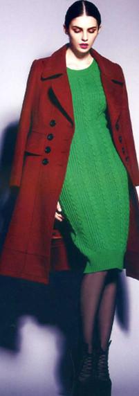 轻松赚钱,加盟伊芙嘉品牌折扣女装,羊绒大衣换季新款新亮点