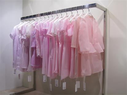 红雨竹品牌女装女性成功的选择