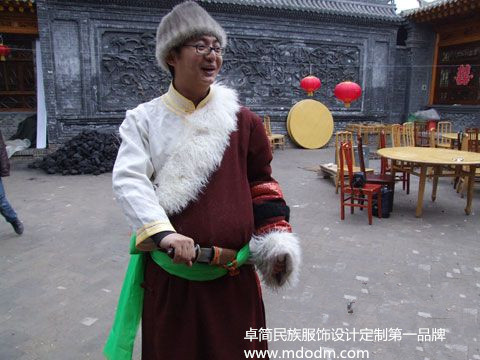 中国保安族服装|采购口碑好的保安族服饰 首选卓简民族服饰