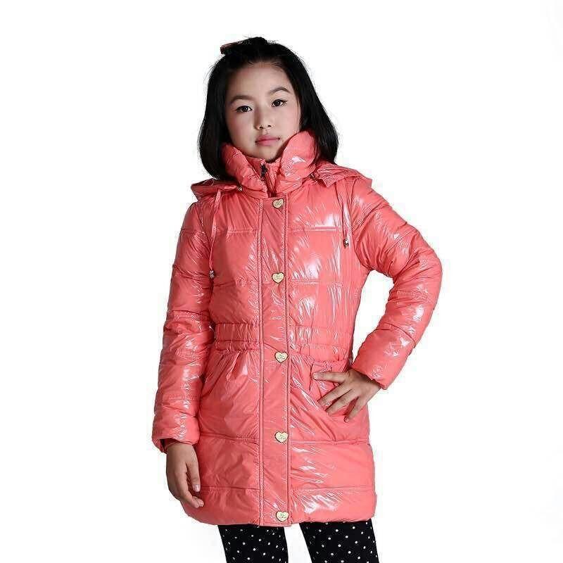 仓库长常年供应应季男女款童装中老年装等四季超值服装
