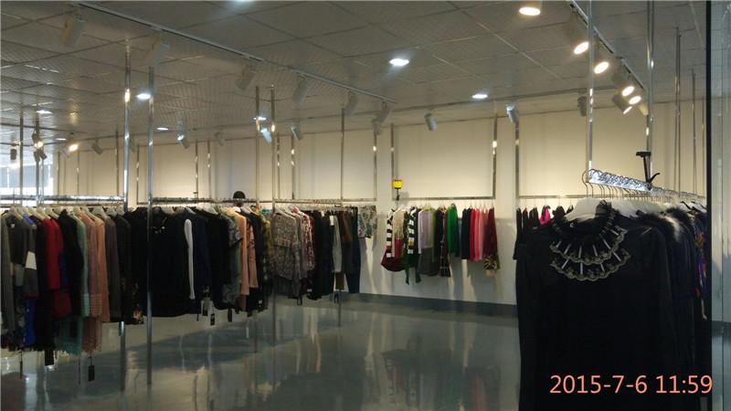 深圳曼依大量品牌折扣秋冬女装低于成本批发
