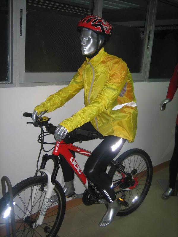 出售定做骑单车姿势男模特道具