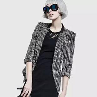 佧茜文女装—时尚、率性、摩登!
