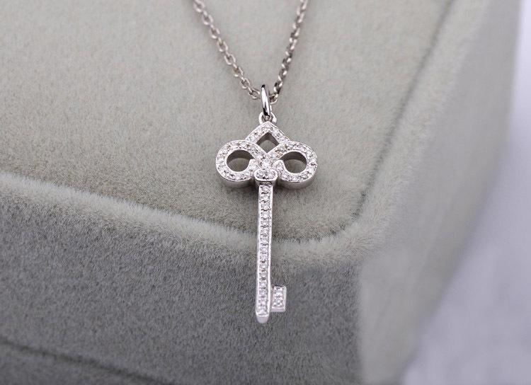 尹恩惠同款 keys 钻石鸢尾花钥匙项链 18K白金钻石项链 钻石吊坠