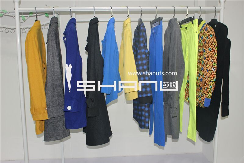 哥弟冬装,品牌折扣女装尾货批发基地,品牌折扣女装批发