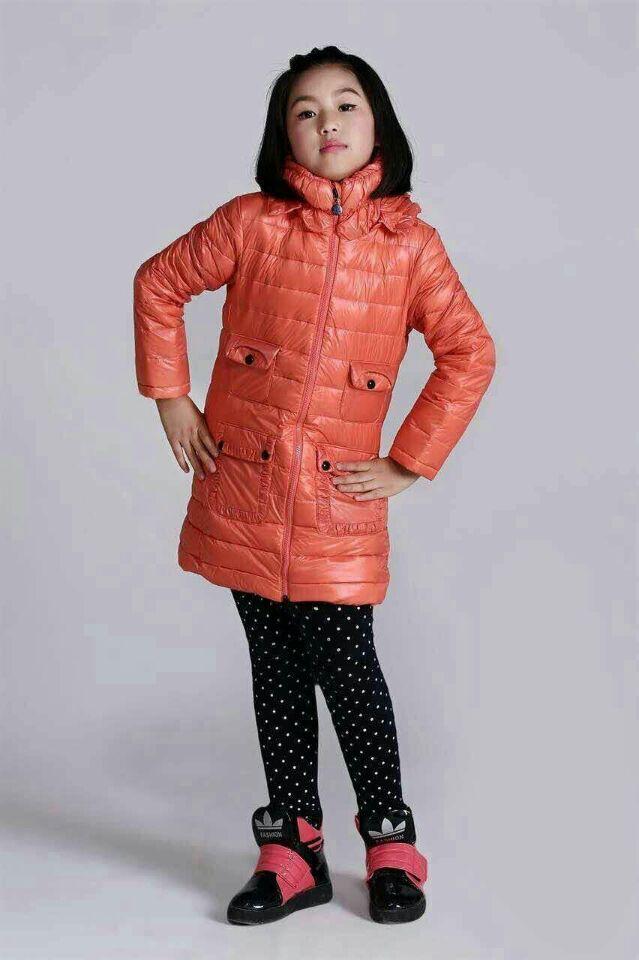 服装超低价批发男女装长袖毛衣清仓处理工厂棉服一手货源