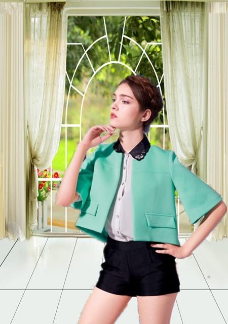 唯炫【vishine】品牌散发着青春的魅力,洋溢着滨纷的色彩