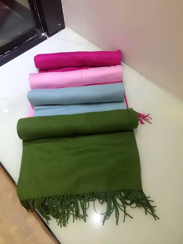 羊绒围巾批发,高端羊绒,品牌折扣尾货