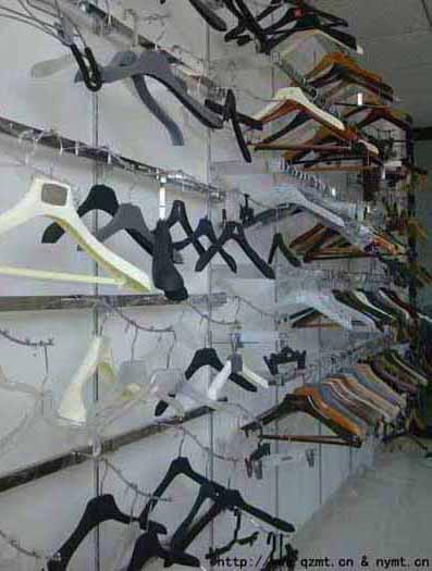 千姿模特衣架厂专业生产批发塑料衣架 塑料裤架