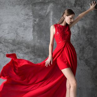 加盟卡索女装-开创服装企业运作的新模式