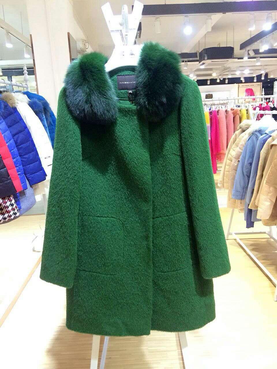 一线品牌嘉贝逸飞羊绒大衣,女装品牌折扣尾货