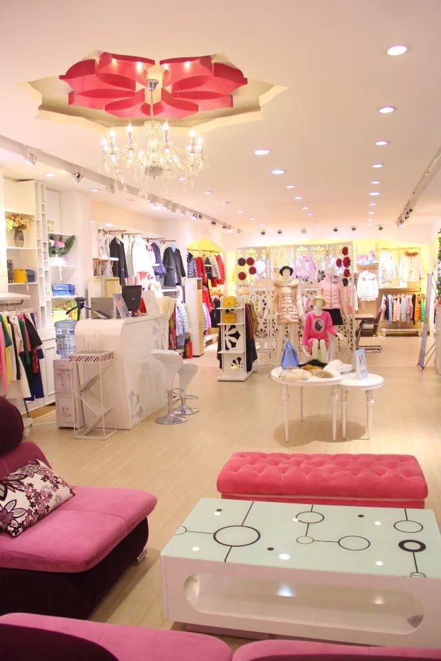 中国知名品牌,容悦loyer.mod女装