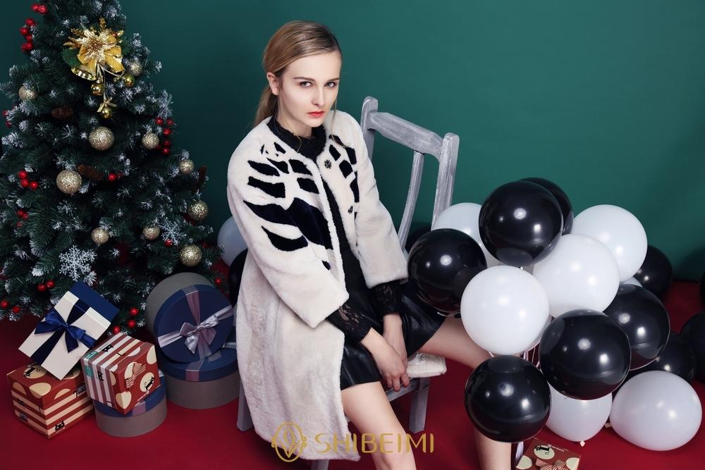 诗蓓蜜--优雅女装倍受时尚女性的青睐