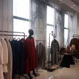 加盟创业好项目 首选石凹空间个性时尚女装