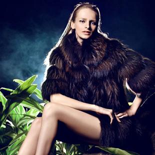 欧兰卡女装品牌 伴您辞旧迎新,诚邀合作