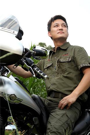中国高端时尚军旅迷彩服饰军事潮牌品牌精英部落服饰