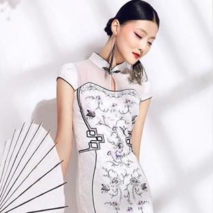 华姿韵女装——演绎时尚中国风