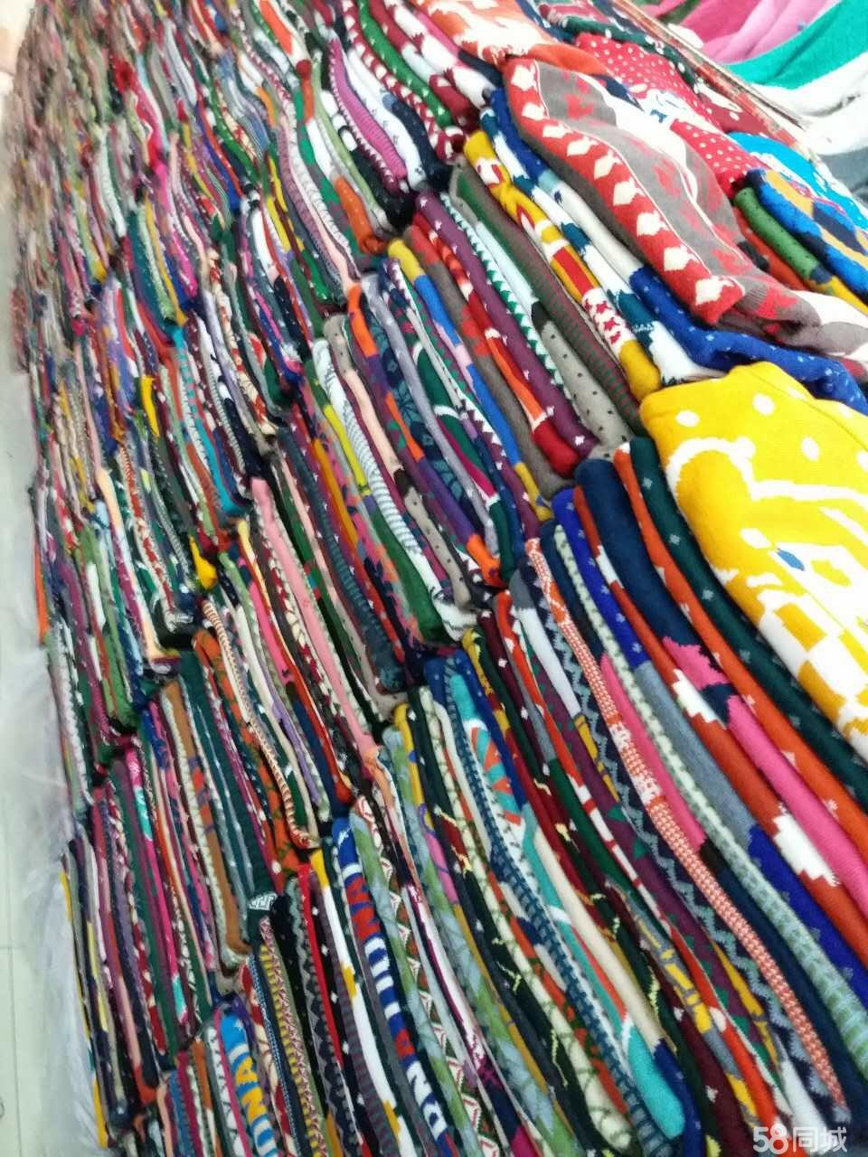 北京便宜外贸尾货服装批发,毛衣,棉服羽绒服便宜批发,5元