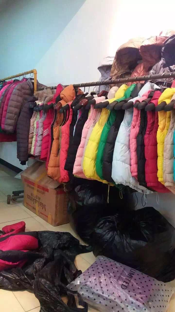 秋冬服装大处理,展销会,早夜市,批发零售首选,最低3元起