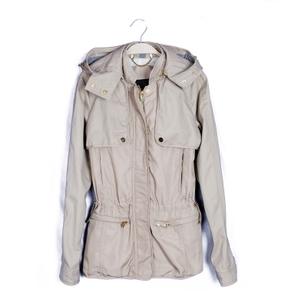 求购外贸库存棉衣,夹克,羽绒服等