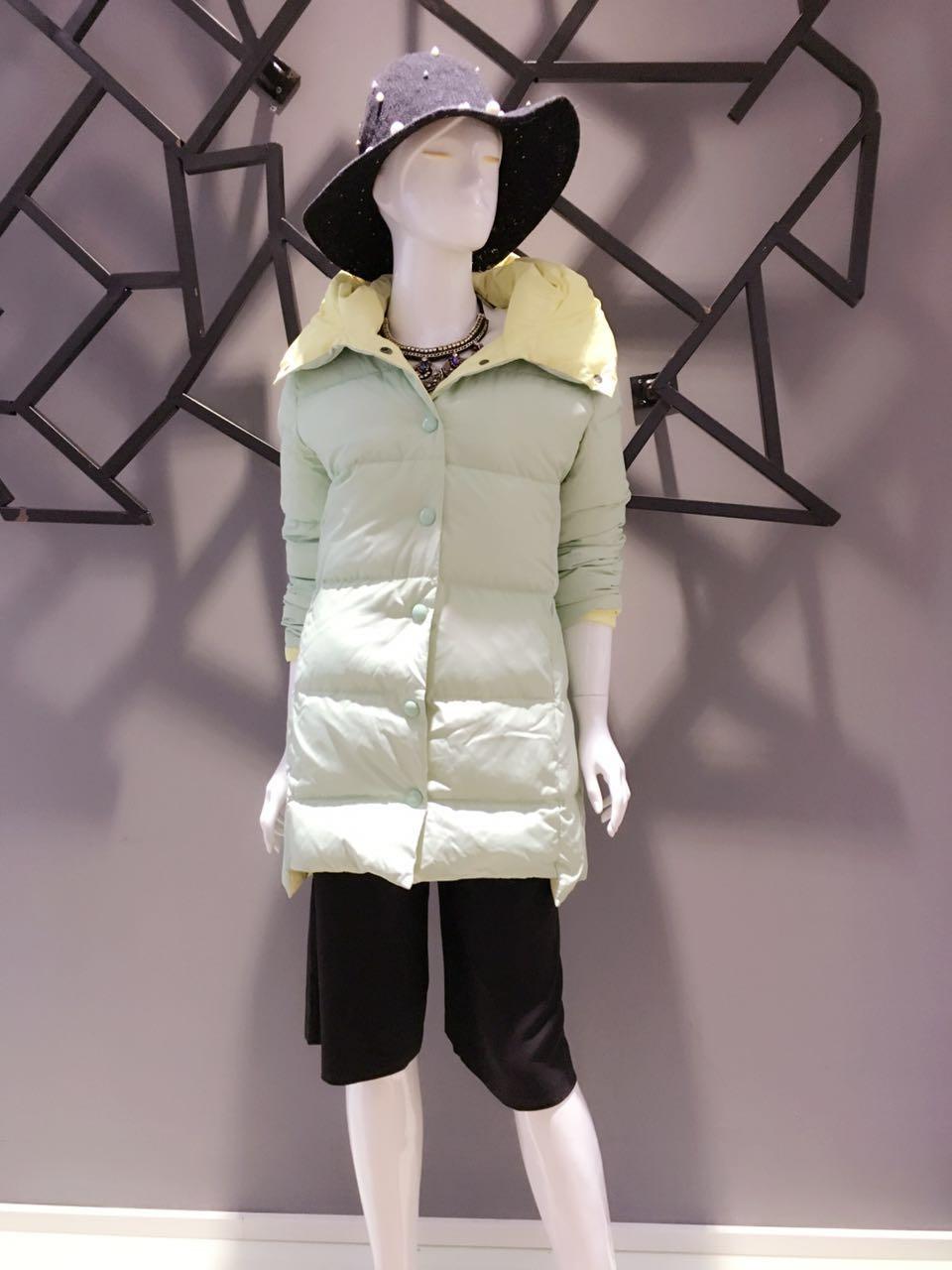 歌瑞丝芬羽绒服 女装品牌折扣店货源 厂家直销女装尾货批发走份
