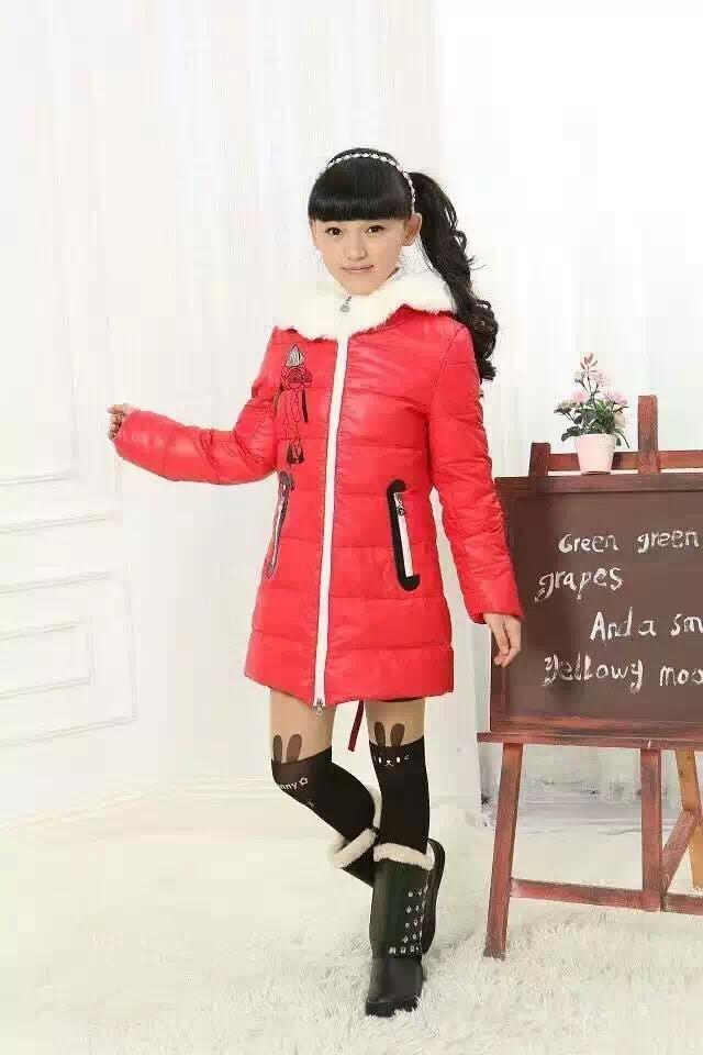 本库房常年大量批发日韩外贸服装,男装,女装,质量好,款式新,价位低,是国内批发市场批发价一半,到货速