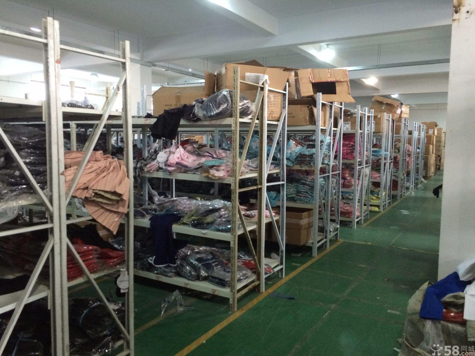 本庫房常年批發外貿精品服裝,一手貨源