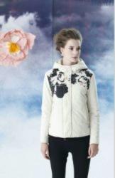 红迪丝杭州折扣女装批发真丝纯棉知名服装库存