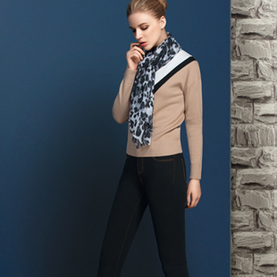 允硕女装加盟-唯美、时尚、优雅、韵味的潮流风格