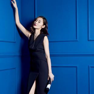 优雅轻奢ECA女装加盟-零加盟费  潮流时尚的风格!